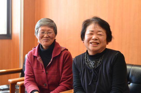 塚本さんと一緒に、暮らしに薬草を取り入れた : 佐藤たか子さん、重田百合子さん