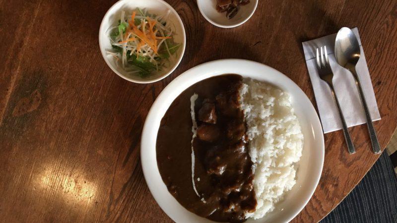 壱之町珈琲店の看板メニュー、カレーライス。これを目指して来るお客さんも多くいます。